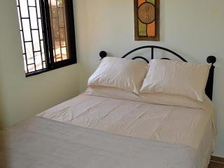 BUDGET CASITA 2-- PET FRIENDLY – SECLUDED, SERENE AND SAFE, Cabarete