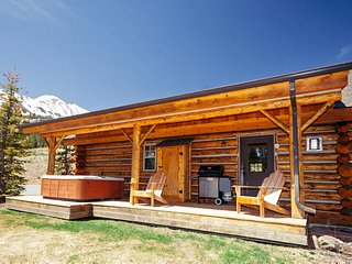Cowboy Heaven Cabins | 9 Rustic Ridge, Big Sky