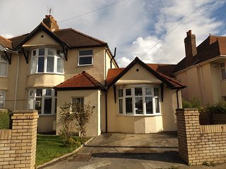 Five Bed Contractors House just off Porthcawl Seafront.