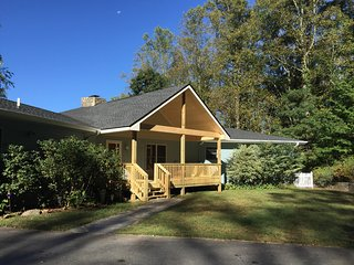 Casa Terrazul: 3 bedroom and 2 bath with beautiful AVL mountain views, Asheville
