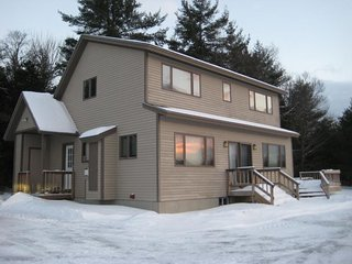 Spacious home, great for large groups! Hot tub, game room, 2 miles to Okemo.