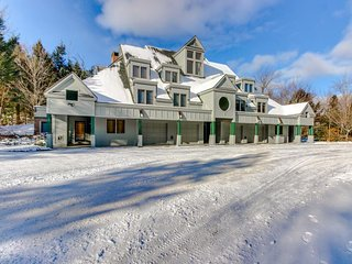 Ski-in/out condo at Okemo w/ a fireplace and beautiful views!