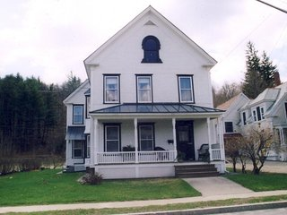 Newly remodeled Victorian home close to skiing, golfing, & center of town