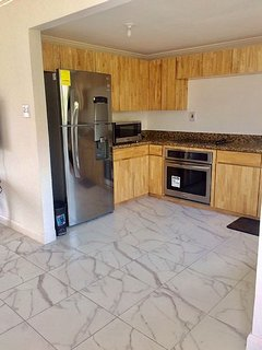 BRAND NEW MODERN KITCHEN AND APPLIANCES TO MAKE YOUR GOURMET MEAL