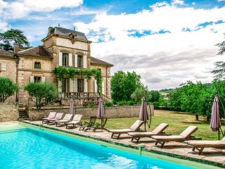 Chateau Montjoi - 26p, private pool, cinema, billiard, castle sunny South France, Tarn-et-Garonne