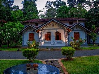 Villa Keth Sisila, Angulugaha