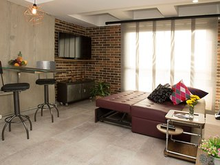 LOW RATES Comfy 웃 Industrial Loft, An Oxymoron? Not this Place! ☺Best Loc La 70