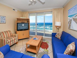 OPEN 8/28-9/2 NOW ONLY $981 TOTAL! BEACHFRONT FOR 6! NEW DECOR! BEAUTIFUL!