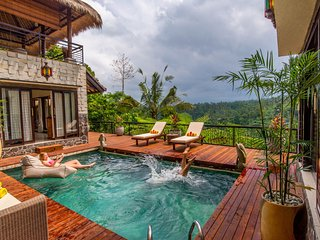 Luxury Private Jungle Estate - Stunning Service, Amazing Views!, Ubud