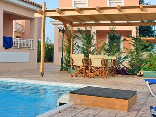 Lorenzo Villas 1-Bedroom villa with Private Pool, Agios Sostis