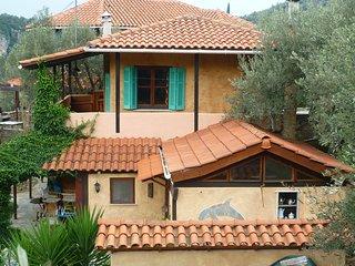 Der Platz an der Sonne (Landhausvilla + Studio) bis 12 Pers. mit Panoramablick.
