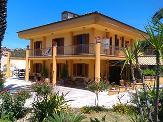 Villa sul mare, 5, parking and free wifi, Sciacca