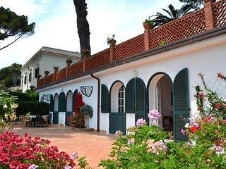 2 bedroom Villa in Vietri sul Mare, Campania, Italy : ref 5251984