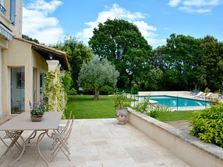 Provencal villa with pool and large garden, Assas