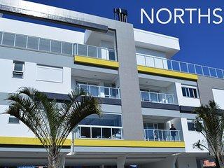 Apartamento tres quartos recem mobiliado a 250m da praia do Novo Campeche