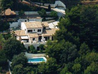 Grande Villa Familiale de 6 chambres avec piscine et billard, St-Laurent du Var