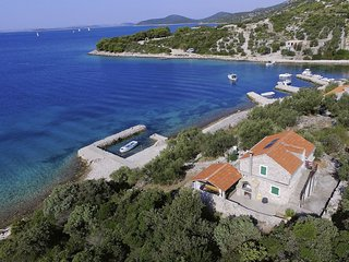 Island waterfront holiday house Vita, Dalmatia, Pasman Island