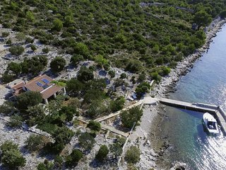 Pet-friendly holiday house Mate, Dalmatian island, Pasman Island