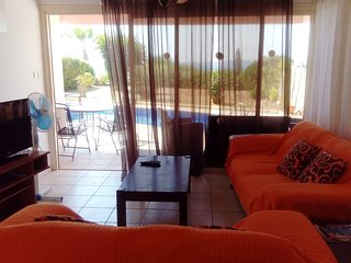Sea front 2 bdr bungalow with amazing views
