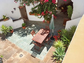 Spacious holiday cottage in Tenerife with sunny courtyard, San Juan de la Rambla