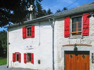 Well-appointed 1-bedroom house with a large garden in verdant Laprade, France - sleeps 5!, Les Martys