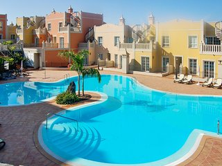 Spacious duplex in Palm-Mar, Tenerife, with 2 bedrooms, terrace, pool and sea view, Palm Mar