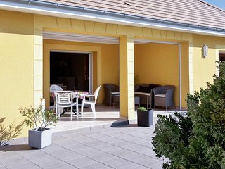 Well-appointed house in Houlgate with a garden and furnished terrace - 1 kilometre from the beach!