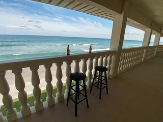 2 Bedroom beachfront/ Oceanfront Condo w/ direct ocean views