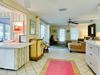 Charming 3 bedroom cottage on Longboat Key
