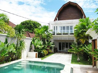 Spacious 5 bedrooms villa in the heart of Seminyak