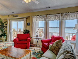 """Comes A Time"" New Remodel, Best Location Walk To Everything, Oceanfront home, Surf City"