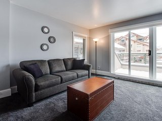 Alpine condo w/ ski-in/out & walk to slopes options in Mtn Village, Telluride
