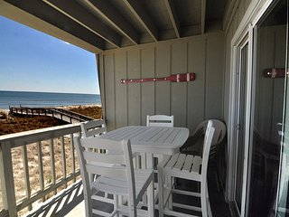 Sands IV 2C 2BR/2BA OCEANFRONT CONDO, Carolina Beach