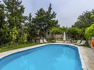 Manolis House for 3 Traditional house with Pool (max 3 per.)