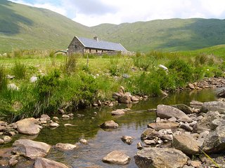 Irish dream home - Shepherds Cottage in the Mcgillycuddy Reeks, Sneem