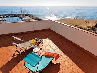 MARINA PORT & BEACH-apartment, El Masnou