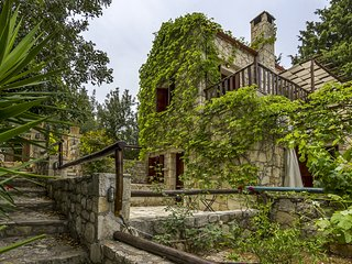 Manolis House Quiet Stone  House with Pool (max 5p)