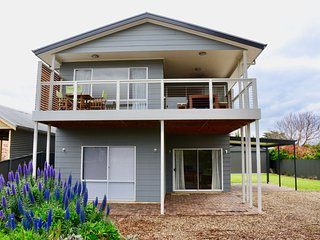 Heaven on Herbert in Normanville's Best Spot! New Home that Sleeps 12!
