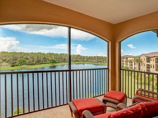 Available 2017 Season! Gorgeous Top Floor 2BR/2BA Turnkey Condo w/TPC Golf!, Naples