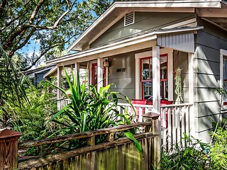 EREHWON RETREAT 1923 Cottage in Old Seminole Heights Historic District