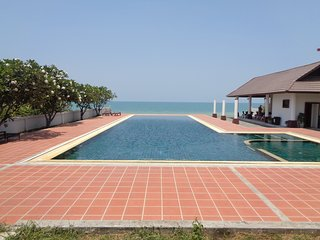 Khanom Beach Resident 3 bedroom Apartment on the B