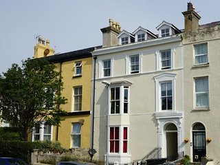 Refurbished ground floor apartment in Llandudno, good central location