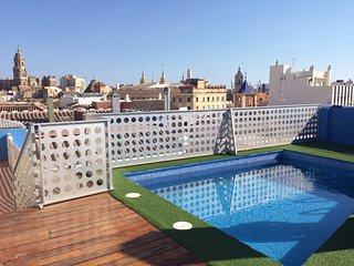 2 bedrooms apartment with Pool and Solarium in centre Malaga