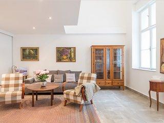 Basilica Mezzanine apartment in VI Terézváros {#h…