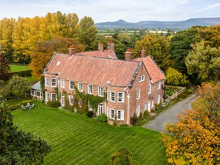 Chapelgarth Estate - family celebrations, hen weekends and weddings, Great Broughton