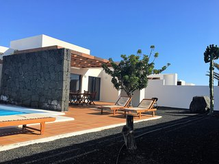 Villa Bellavista A6 with private heated pool, wifi, air conditioner, etc ..., Playa Blanca