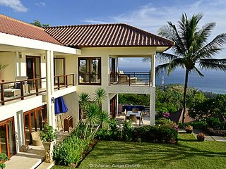 Villa Ocean View with Private Pool, Batu Layar