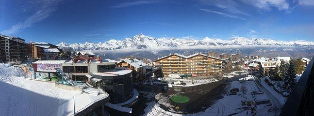 Panoramisch uitzicht vanuit het appartement