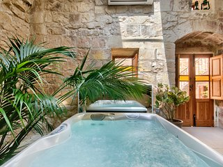 Ta Drinu luxury character house, Zabbar