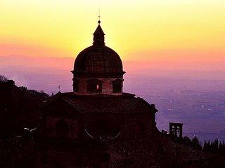 Romance in the Heart of the City, Cortona